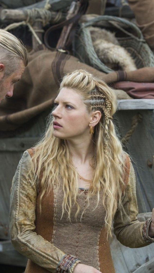 Female Viking Hairstyle In 2020 Viking Hair Viking Hairstyles Female Hair Styles