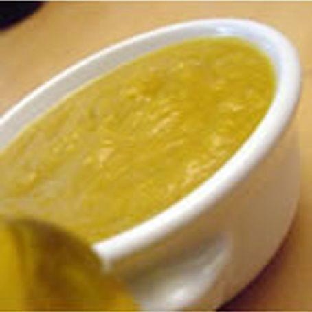 Molho de mostarda e mel 1/2 cebola pequena 1/2 xícara (chá) de azeite de oliva 4 colheres (sopa) de mostarda de Dijon 3 colheres (sopa) de mel 1 colher (sopa) de gengibre picado Descasque a cebola, pique-a e coloque, no copo do liquidificador. Junte o azeite de oliva, a mostarda, o mel e o gengibre. Bata por 1 minuto. Sirva com carne assada.