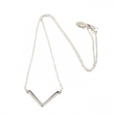 Syster P - Halsband Strict Simple V Silver