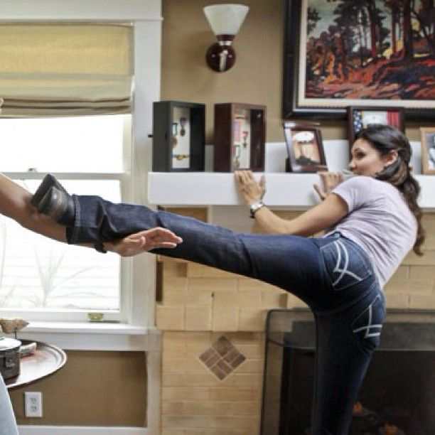 NCIS LA: Kensi kicks...   Look at those long legs Daniela Ruah 1.74 Hourglass 58 kg 89-66-91 cm