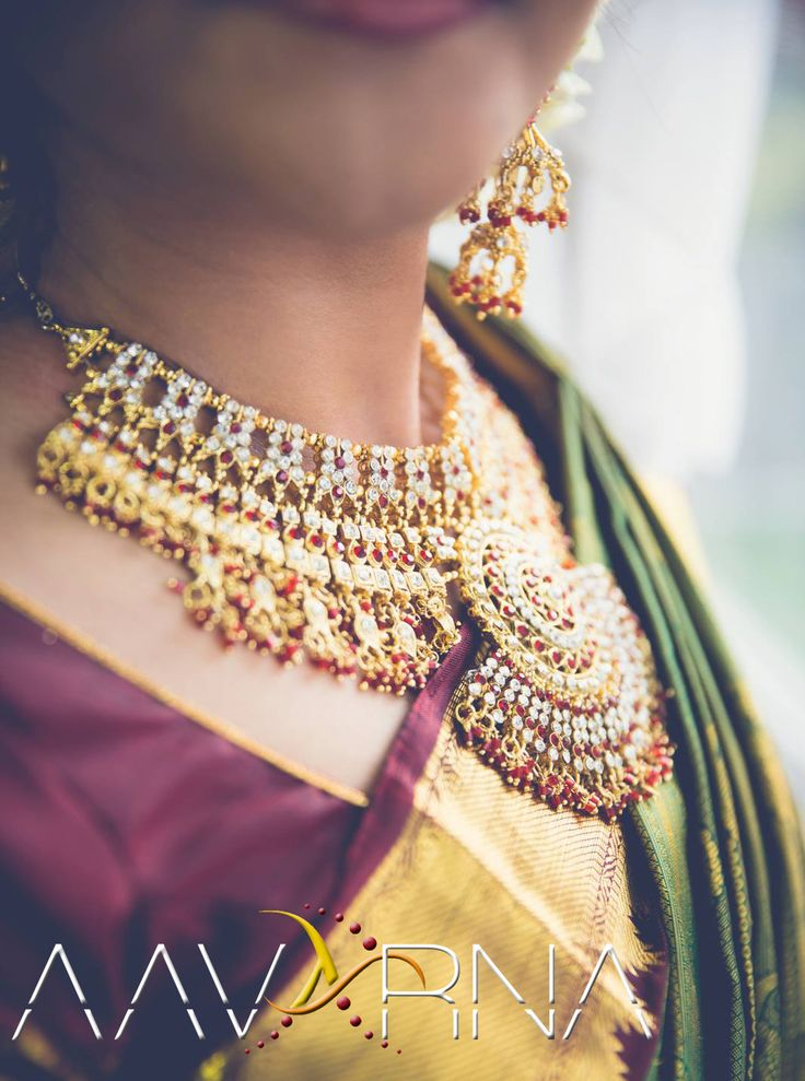 Aavarna Collections Aavarna is proud to bring you the most beautiful & unique fusion of eye-catching Indian traditional designs that will leave you breathless. -Toronto-