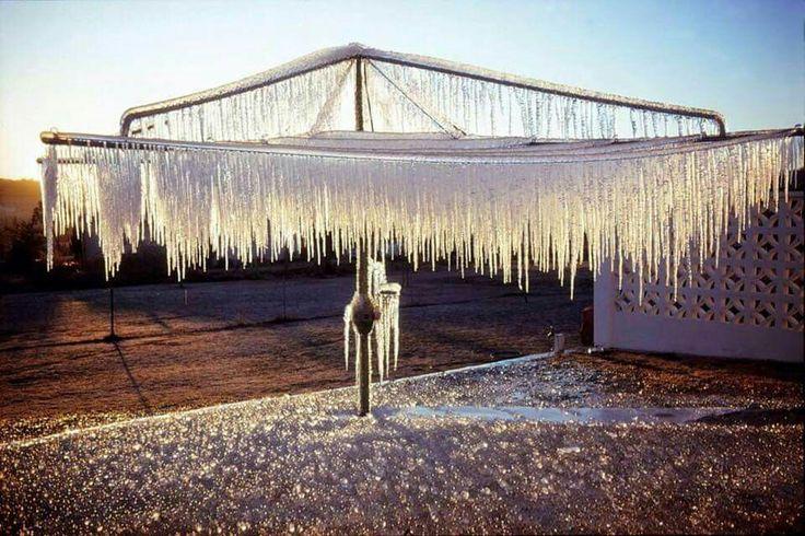 Stanthorpe . winter morning . hills hoist clothes line