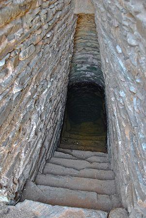 neroargento - pozzi e fonti sacre - Is Pirois Villaputzu, Nuragic Age, Sardinia
