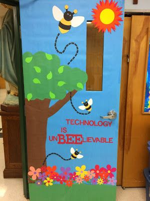 A Techy Teacher with a Cricut: Spring Computer Lab Door or Bulletin Board