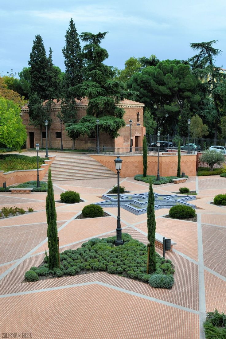 Mejores 86 im genes de madrid en pinterest arquitectura for Piscina escuelas pias