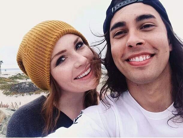 Are vic and danielle dating