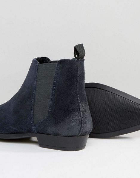 Boots+by+ASOS++++Suede+upperElasticated+insertsPull+tabAnkle+lengthPoint+toeProtect+with+a+suede+cleaner100%+Real+Leather+Upper http://rfbd.cm/rp9efb0961