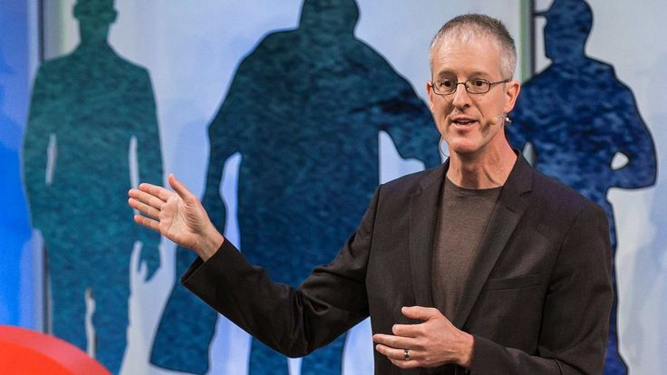 Jeff Speck: The walkable city. Change current car centered cities to walkable cities