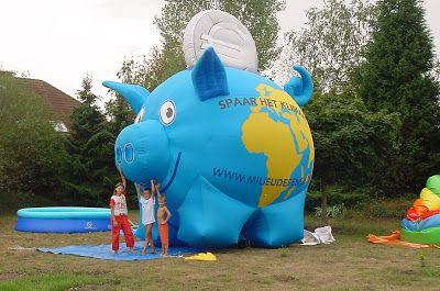 Opblaasbare dieren.: Opblaasbaar Varken Milieudefensie 5 meter