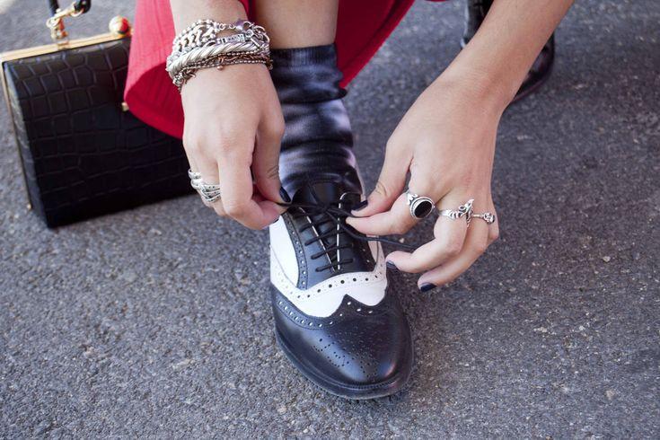 Street Style Mercedes-Benz Fashion Week Madrid primavera verano 2013: zapatos bicolores de castellanos