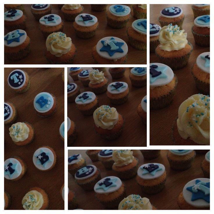 cupcakes voor de 2e verjaardag van een tweeling www.cakesenjoy.blogspot.com