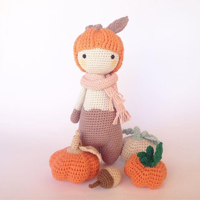 Meet with Pumpy the pumpkin girl 🎃 my new cute toy 😊   Balkabağı Pumpy ile tanışın ☺  .  .  .  .  .  ️ #bebeklikedi #pumpythepumpkin #pumpy #amigurumis #crochet #pumpkin#ganchillo #cute#fall#autumn #etsy #pattern #etsyshop#crochetaddict #orange#sonbahar#balkabağı #handmade #ganchillocreativo #toy