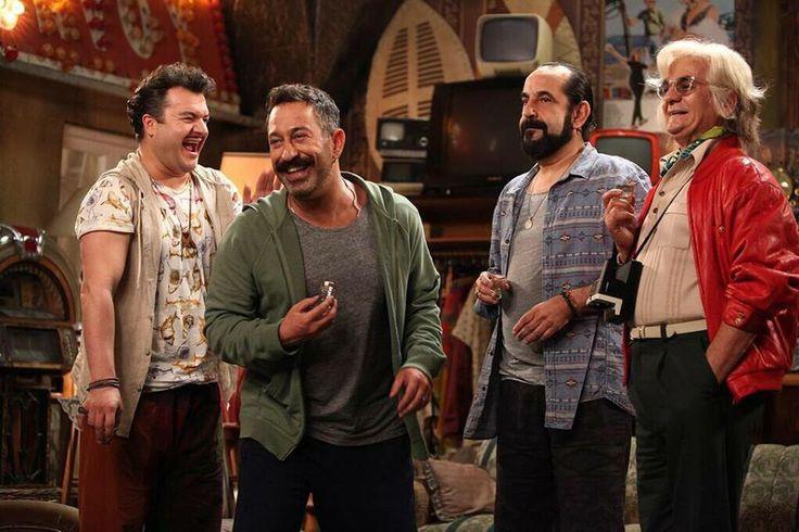 """Cem Yılmaz: """"Güzel adamlar...İyi bir sahne..Pek Yakında..Ejder,Ahben,Zafer ve Zeki .."""" #pekyakindafilm"""