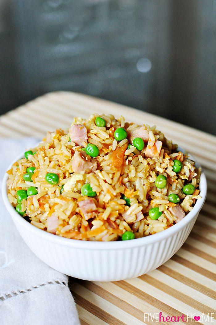 Fácil arroz frito ~ personalizar con restos de pollo, carne de res, cerdo, camarones, o jamón para hacer una comida de ella!  | {Cinco Corazón Inicio}