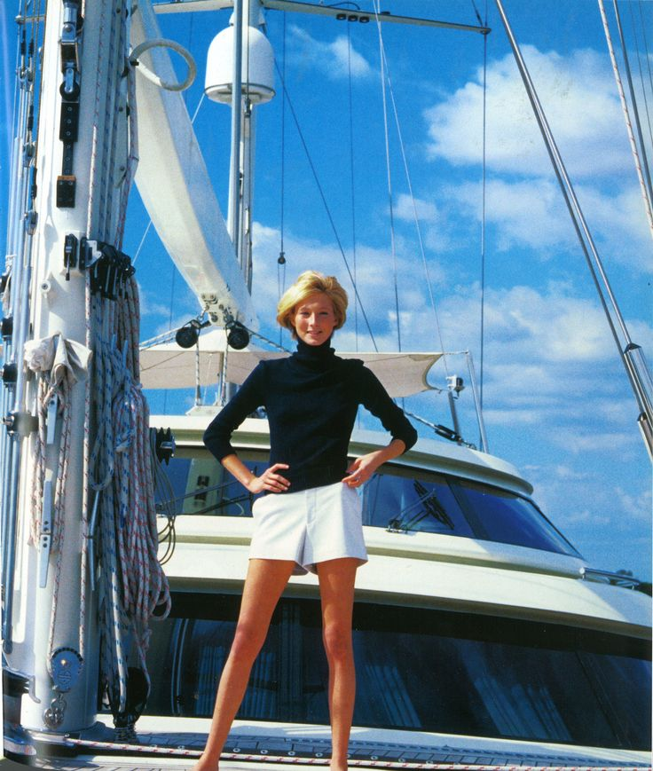 good sailing outfit    tommyhilfiger:    Maggie Rizer for Vogue, photographed by Arthur Elgort in 2000.