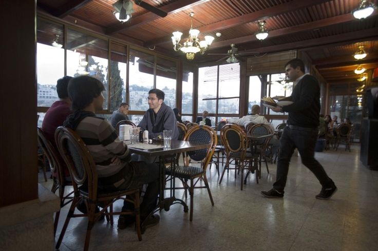 How did 8 Chinese tourists end up paying $4,390 at an Israeli hummus joint?