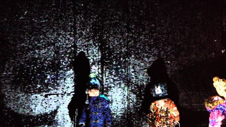 雪で遊ぶインタラクティブ映像のイベントを音更町のオーガニック焼き菓子のアマムエクルと木のおもちゃプルカの店舗前で開催。 www.okahon.com
