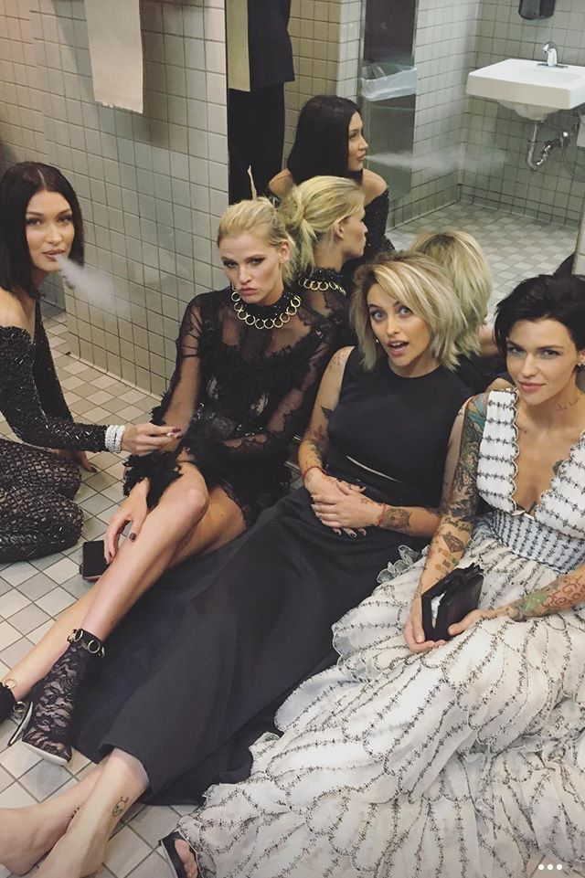 Paris Jackson and her friends and is that Ruby Rose in the white dress!<< I don't know why but I now need to see a Disney movie about them as rebel princesses xD
