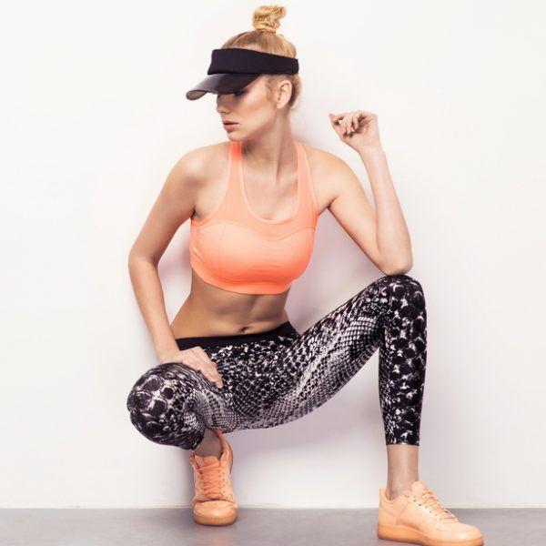 Αυτές τις ασκήσεις για πόδια με το βάρος του σώματός σου μπορείς να τις κάνεις οπουδήποτε και να αποκτήσεις σφιχτά πόδια. Δες το βίντεο!