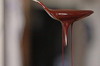 Schokoladensirup, ein gutes Rezept aus der Kategorie Eis. Bewertungen: 517. Durchschnitt: Ø 4,7.