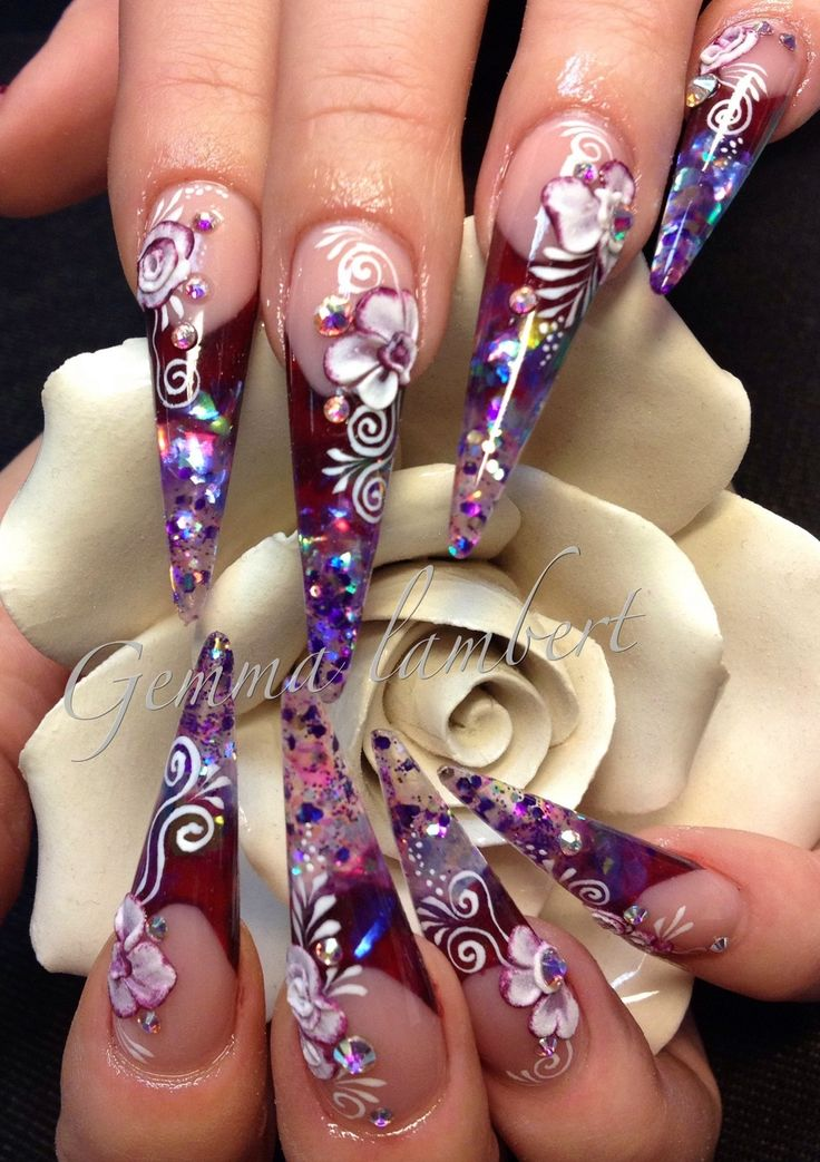 Sculpted stiletto nails