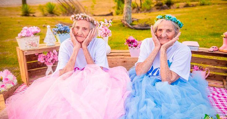 Еще допраздника бабушки устроили шикарную фотосессию.
