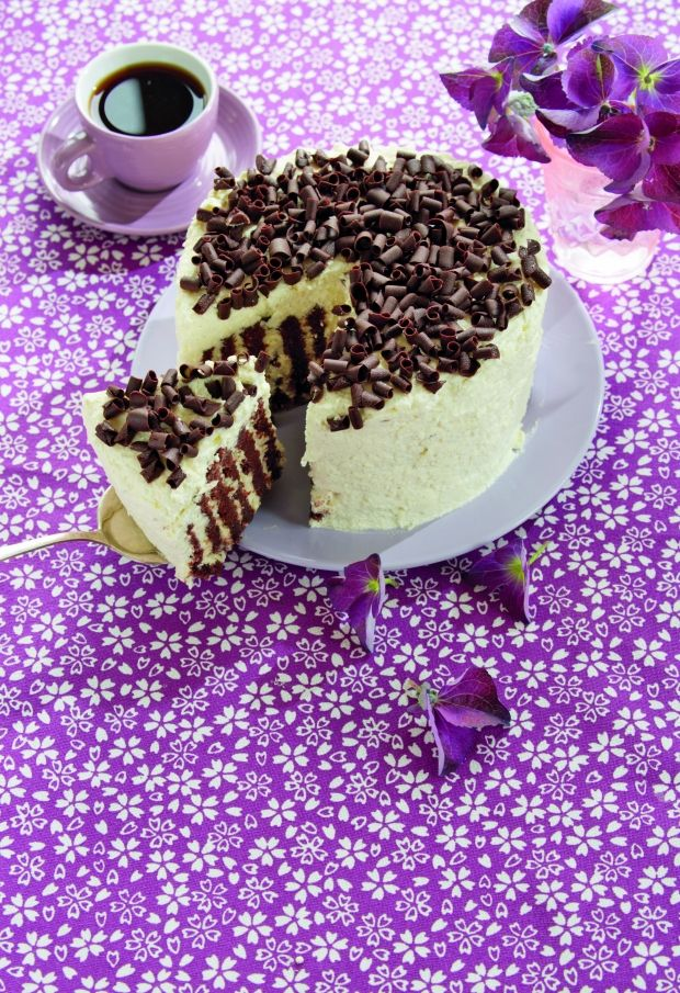 Lækker og luftig kakaokage med vaniljecreme