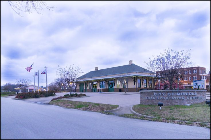 The Mineola train station on a cold January afternoon.