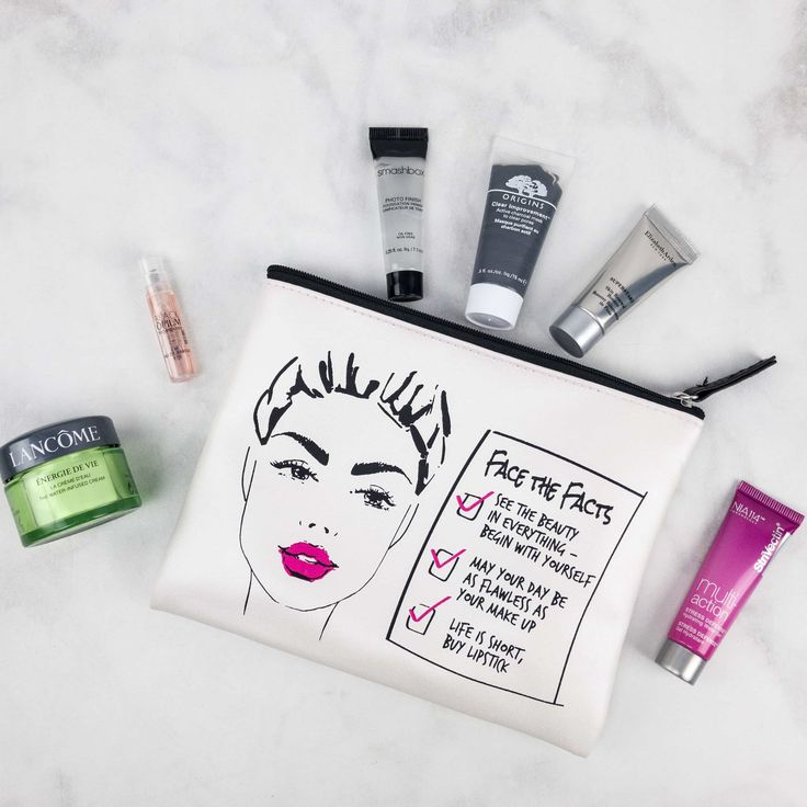 Macy's Beauty Box October 2017 theme was Face The Fact. See our review of this new beauty subscription box from Macy's!   Macy's Beauty Box October 2017 Subscription Box Review →  http://hellosubscription.com/2017/10/macys-beauty-box-october-2017-subscription-box-review/ #Macys #MacysBeautyBox  #subscriptionbox