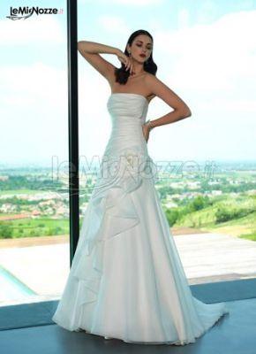 http://www.lemienozze.it/gallerie/foto-abiti-da-sposa/img25033.html Abito da sposa senza spalline