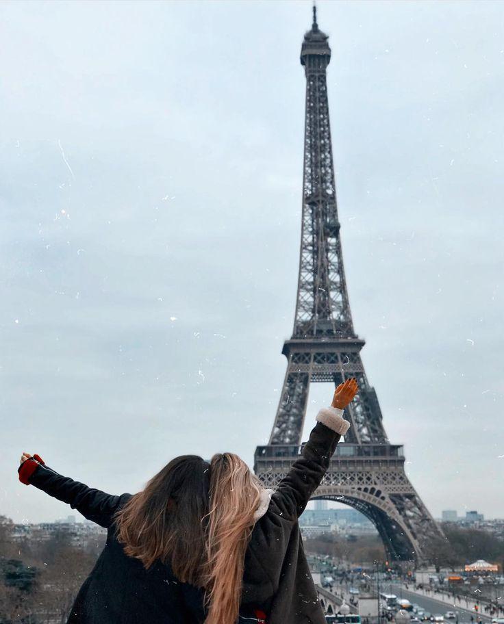 чьей смешные картинки про париж был настоящим