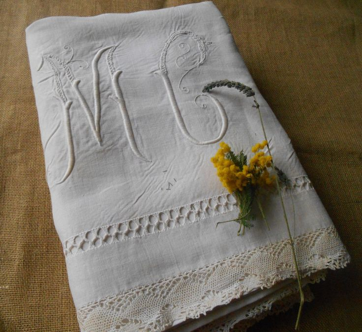 Victorian Flat Sheet White French Linen Lace Handmade Ladder Work Monogram Medallion Front Embroidered 2 pers Bed Sheet #sophieladydeparis