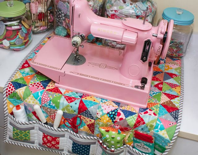 Have been thinking of making a mat with pockets and a cover...this gorgeous colourful one combines both....didn't think of that!