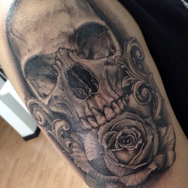 Skull and rose, one of my favorite tattoo classics