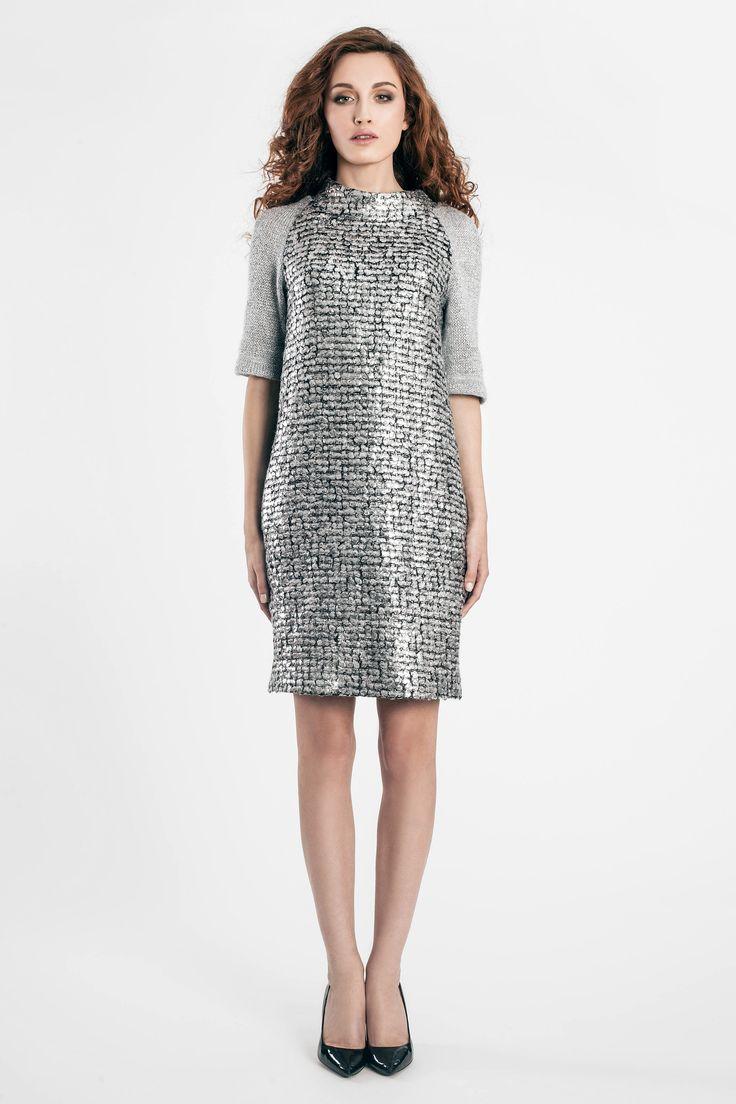 Sukienka Kolli wełniana - dająca przyjemne uczucie ciepła w jesienne dni. Bardzo elegancka.