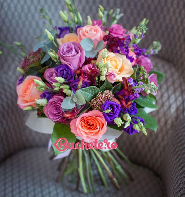 Bine v-am regăsit!  La noi în atelier săptămâna a debutat cu trandafiri și matthiola. Săptămâna ta cu ce începe?   #livrareflori #florarie https://www.buchete.ro/flori-paste