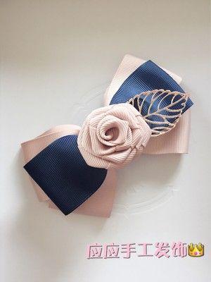 Бант с розой и металлическим листом