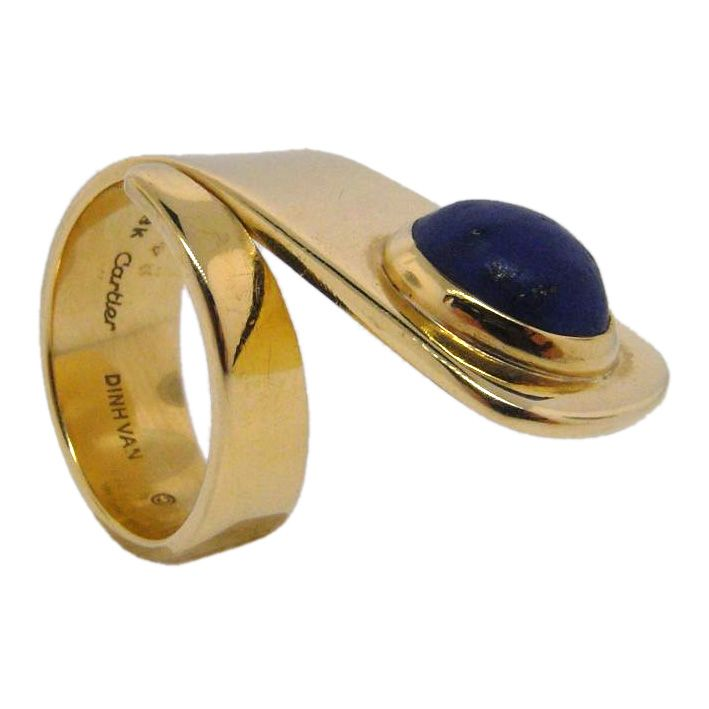Gold and lapis lazuli ring by Dinh Van for Cartier (vintage 1960)