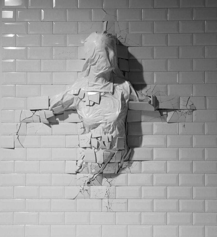 Artistic Broken Items by Graziano Locatelli – Fubiz Media
