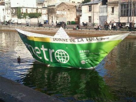 Et vogue le bateau géant en papier sur la Seine…: http://cultivonslacom.wordpress.com/2012/03/20/et-vogue-le-bateau-geant-en-papier-sur-la-seine/