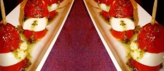 Tapas: Tomat og ost på pestopind | Stjerneskud opskrifter