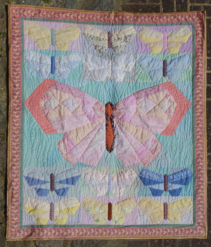 Butterflyes to my baby daughter, Karin Emborg Gjersøe 1991. Handpieced and quilted.