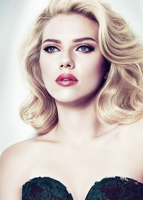 Scarlett Johansson - Scorpio or Sagittarius? -  22 November 1984 - New York, USA - 160 cm