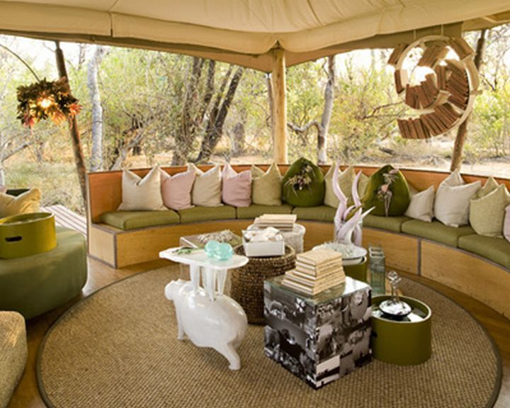 Camper decorations shaped chairs decorating ideas for Outdoor tent decorating ideas