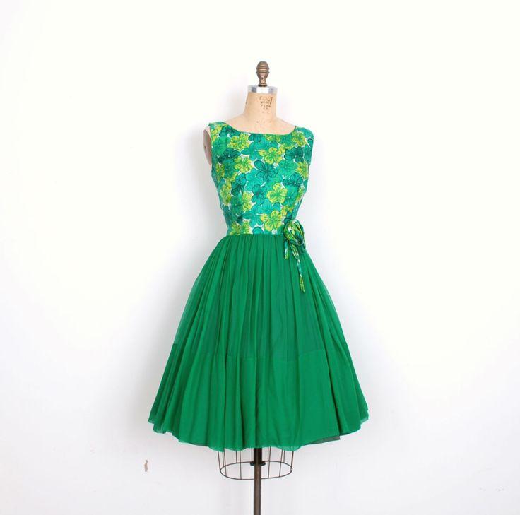 Vintage jaren 1950 jurk / 50s Floral Silk partij jurk / Green (kleine S)  Werkelijk prachtig jaren  50 zijde passen en flare partij jurk,
