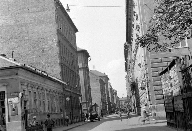 Füvészkert (Szigetvári) utca - Tömő utca sarok.