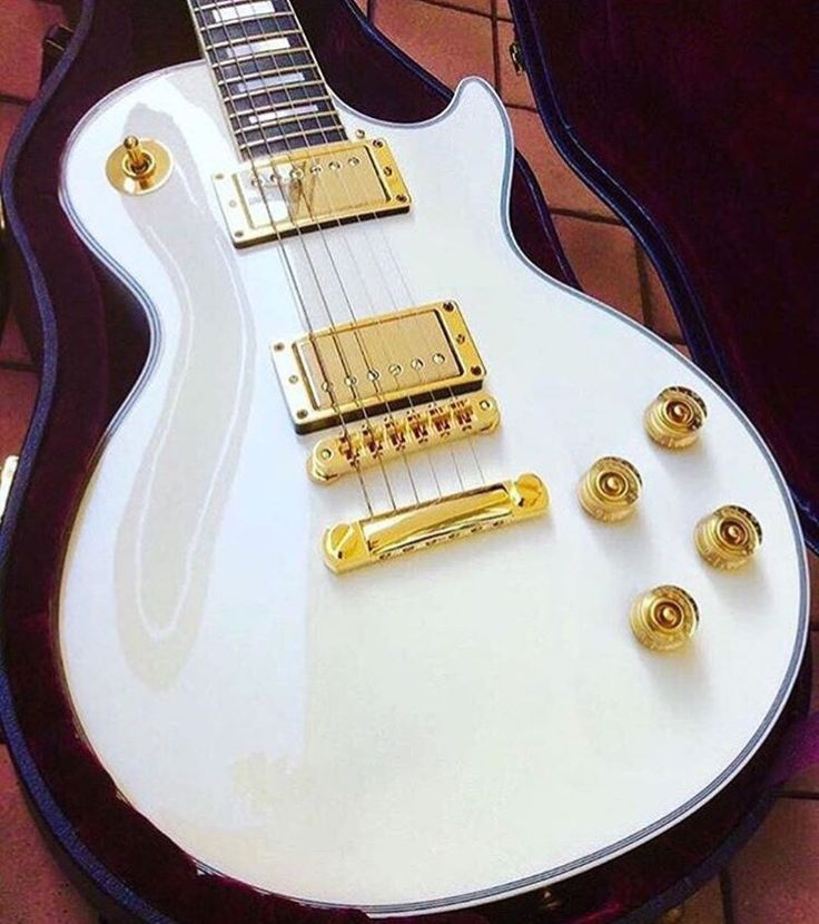 7150 best COOL GUITAR PAINT JOBS and silly shit that made me grin ...