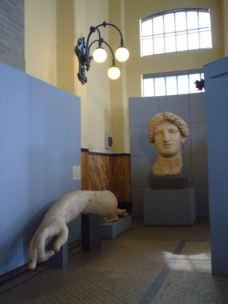 Acrolito dal tempio B di largo argentina - Fortuna Huiusce Diei