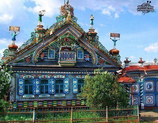 Дом кузнеца Кириллова, село Кунара, Свердловская область.