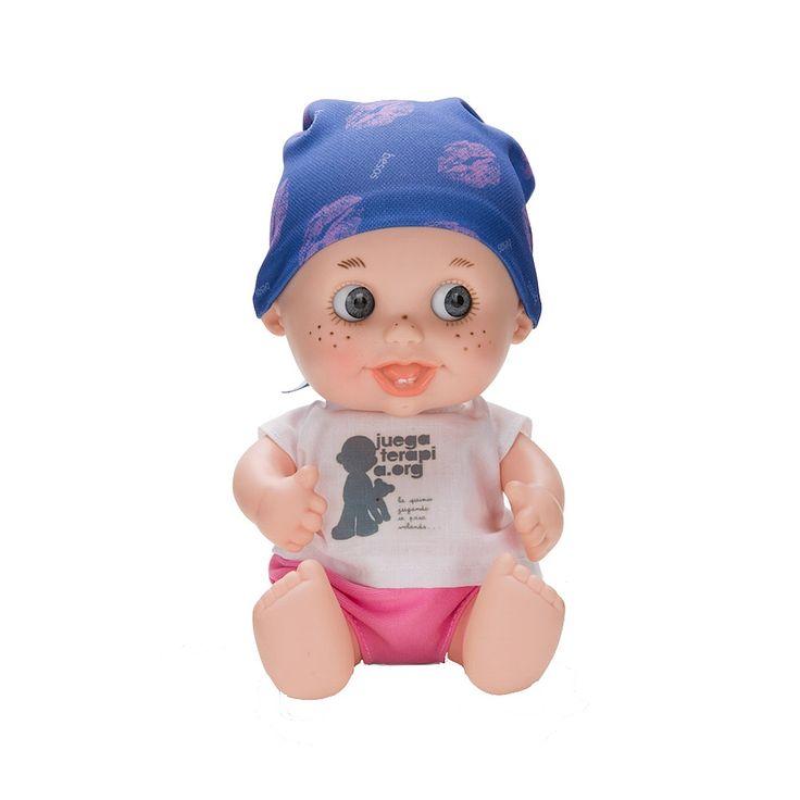 El pañuelo de esta Baby Pelón ha sido diseñado por Amelia Bono, que nos regala un montón de besos amorosos, como es ella.